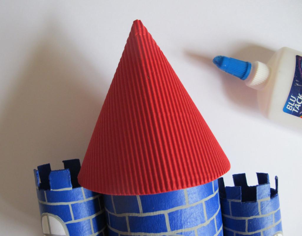 Castello Di Cartone Art Attack : Come fare un castello con rotoli di carta igienica e scatole di