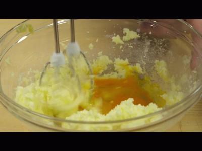 muffins alle carote: mescolare il tutto